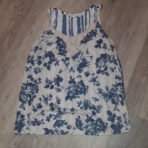 4/$20 NWOT French Laundry top-M